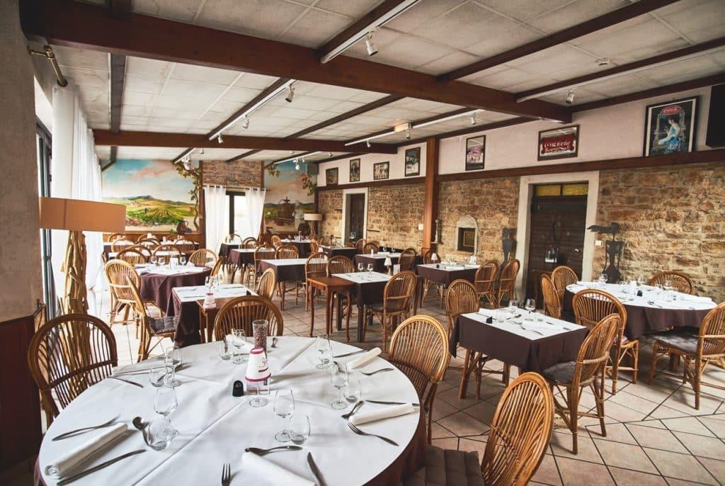 Salle du restaurant Tante Yvonne