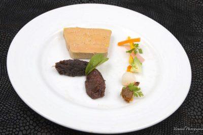 Foie gras maison mi-cuit à basse température chutney de figues et confiture d'oignons