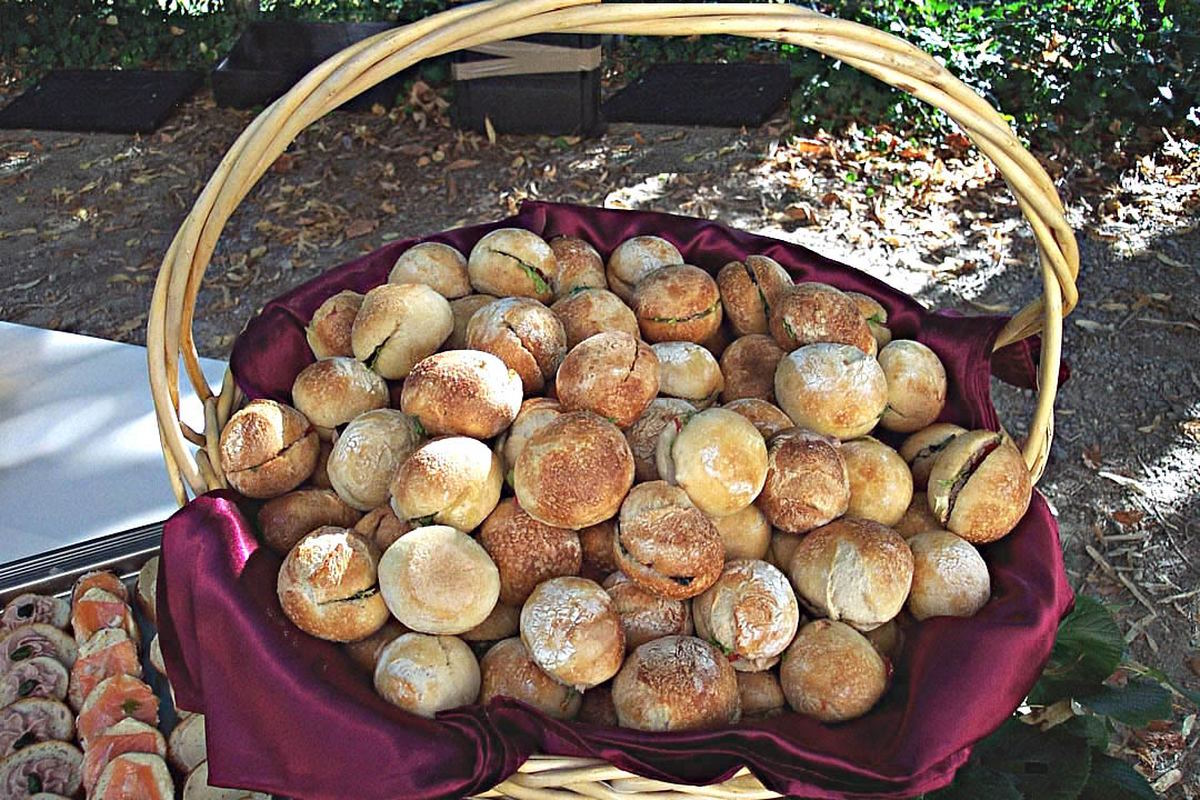 Panier de mini pains bagnats pour un séminaire