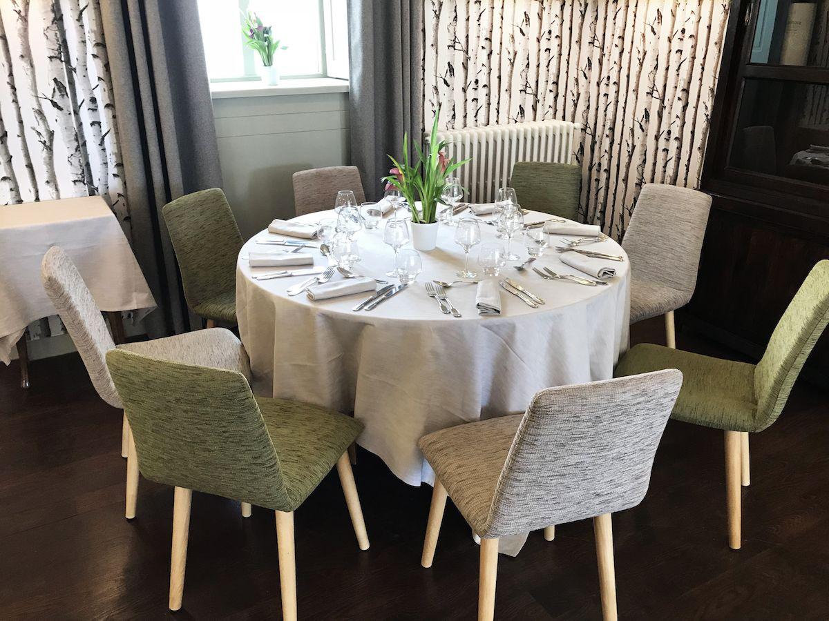 table de 7 personnes restaurant tante yvonne proche lyon nouvelle décoration
