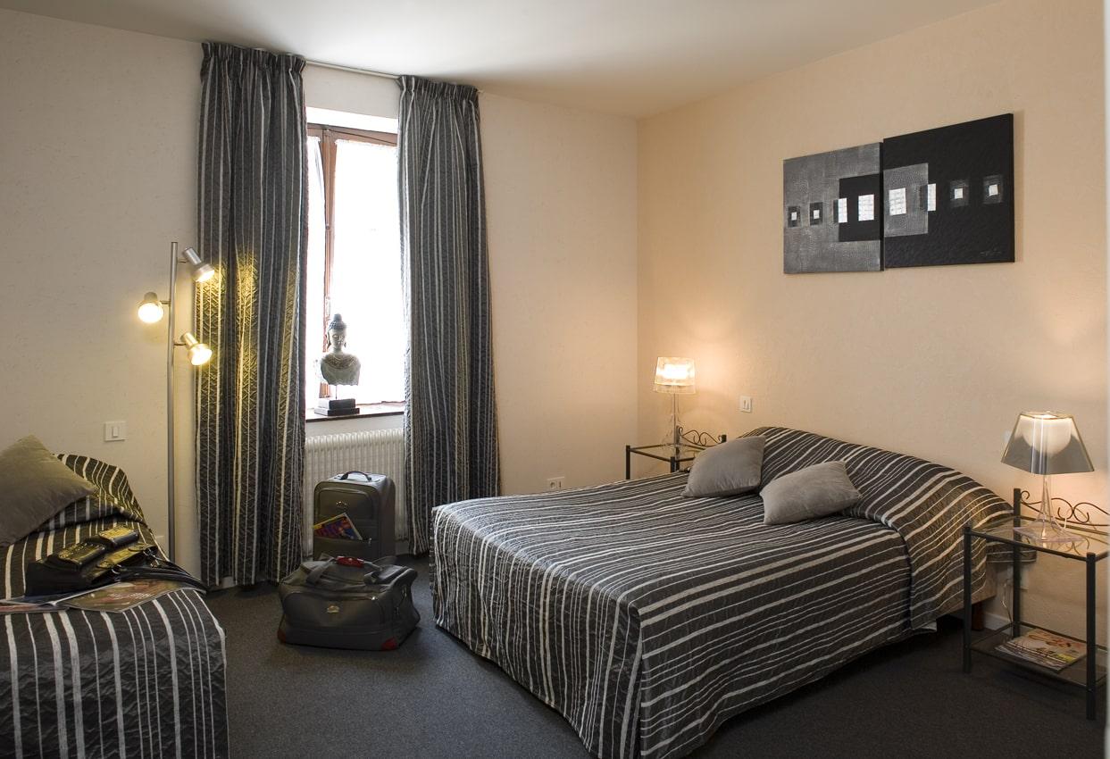 chambre-classique-hotel tante-yvonne